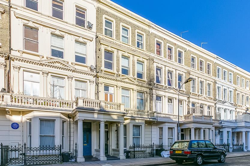 2 Bedrooms Flat for sale in Barons Court Road, London, W14